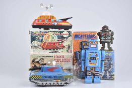 Konv. 4 Teile, versch. Hersteller, Mighty Robot, H 22 cm, Mercury Explorer, mit Antenne, L 21 cm,
