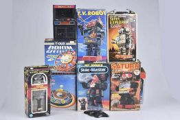 Konv. 8 Teile, Space Toys, versch. Hersteller, H 22-30 cm, Space Robot Series, Super Explorer,T.V.