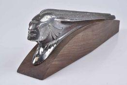 Emblem/ Kühlerfigur/ Car Mascot Pontiac 1953, Kupfer, verchromt, L ca. 42 cm, Fehlstellen am