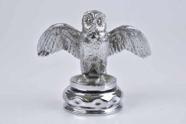 Emblem/ Kühlerfigur/ Car Mascot Eule, Metall, verchromt, H 7 cm, auf Metallsockel montiert,