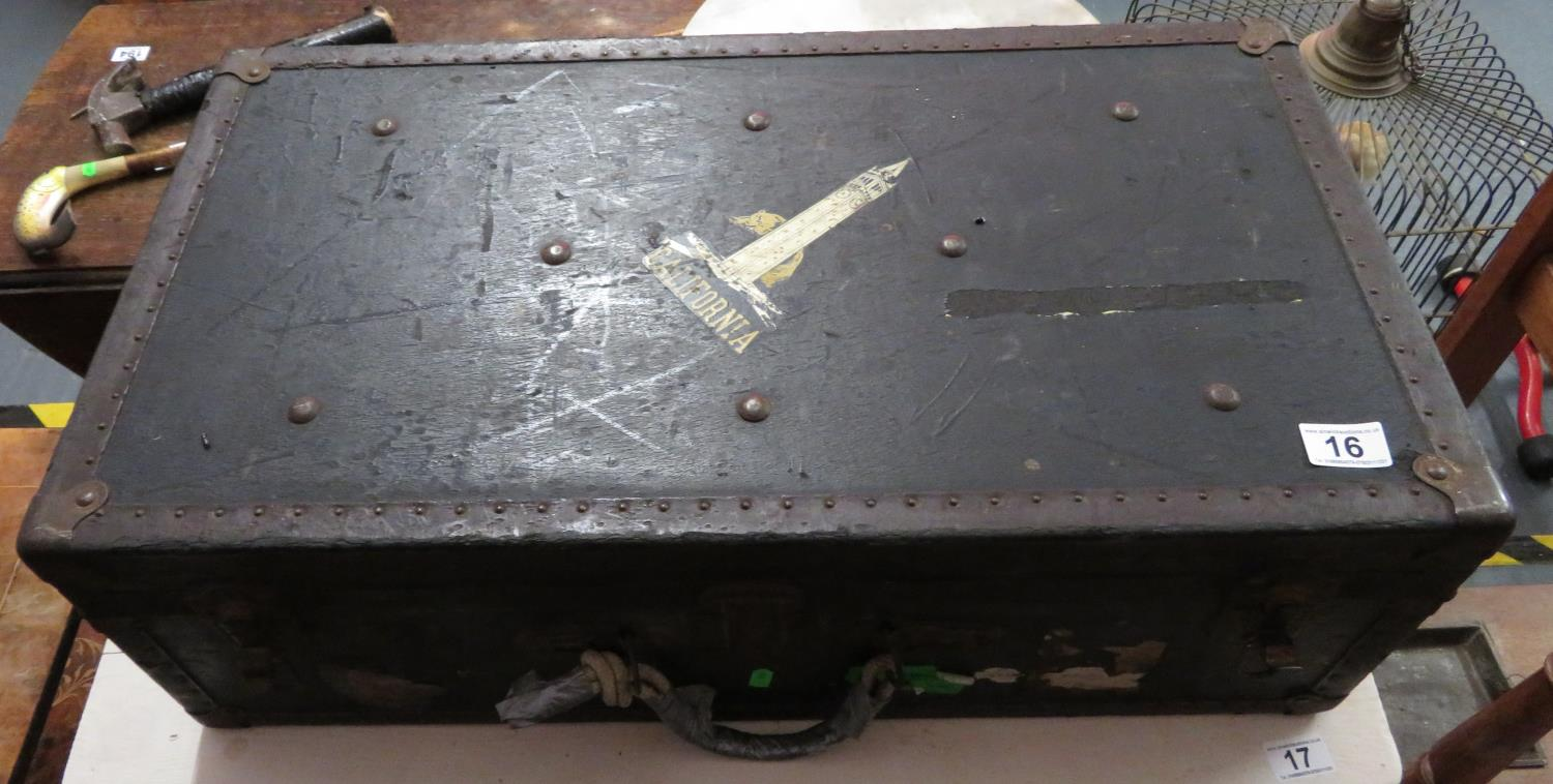 Lot 16 - Packing trunk