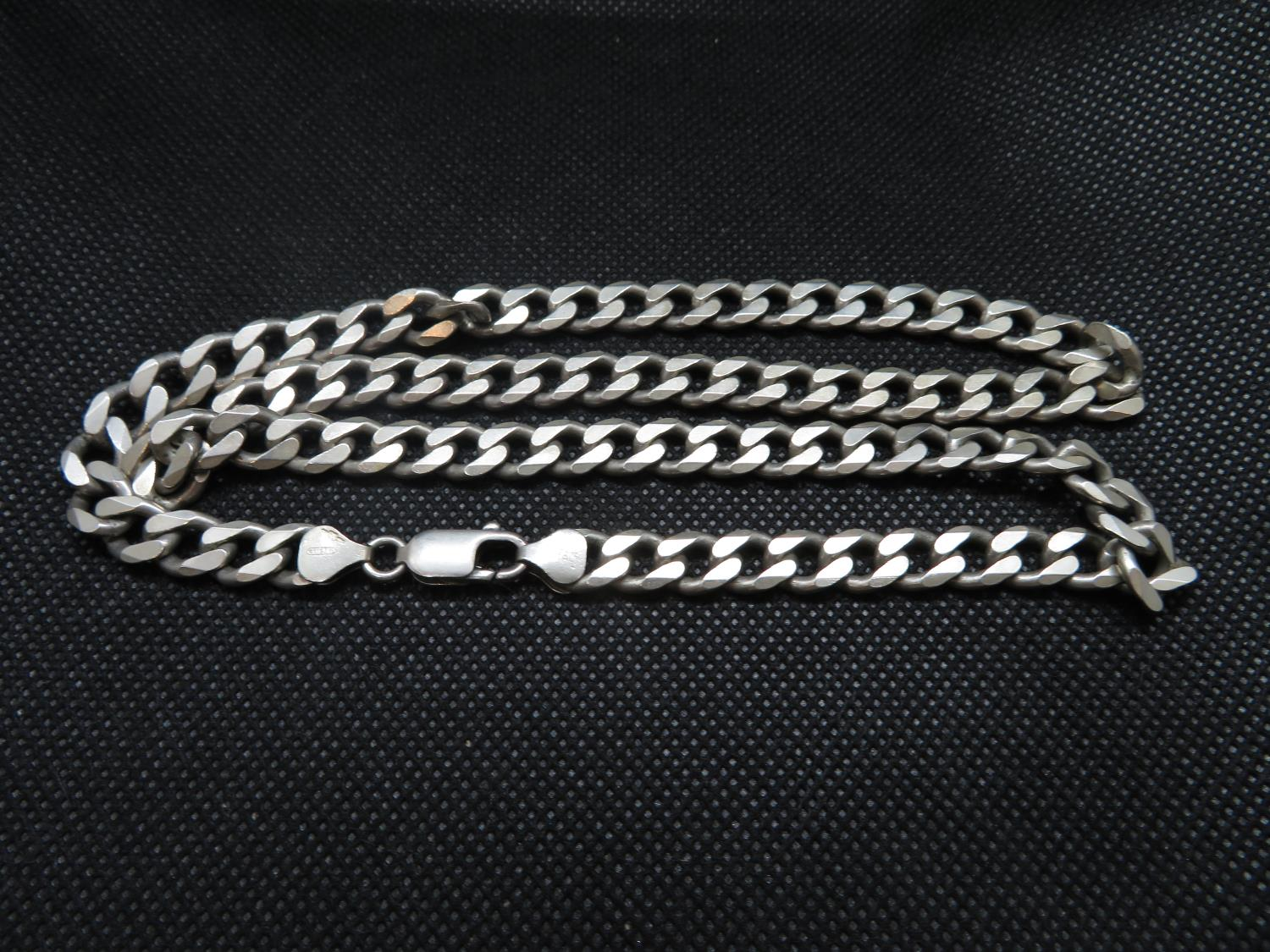 Lot 20 - Solid heavy gent's silver curb link chain fully HM 60 g