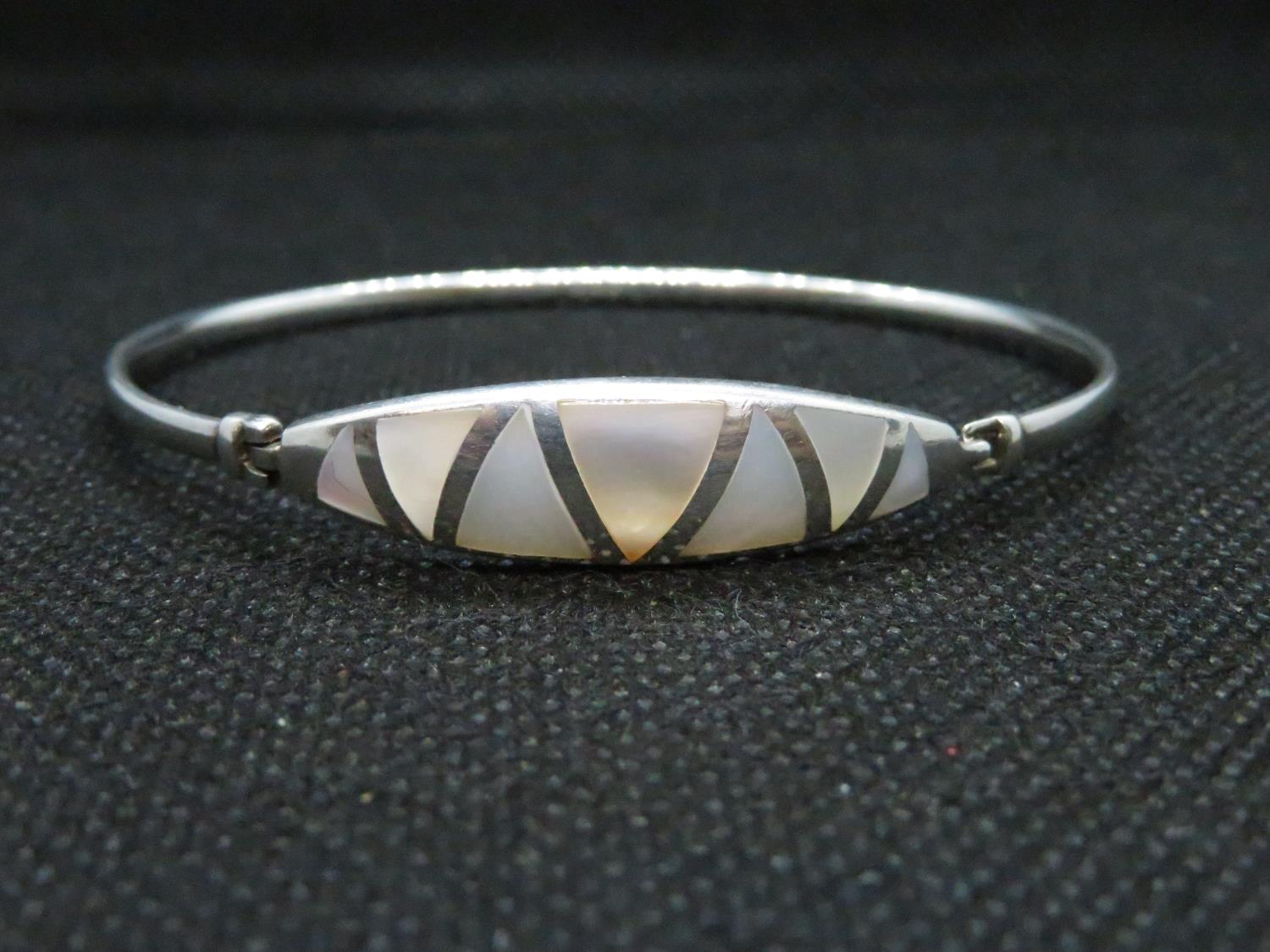Lot 51 - HM silver bangle set with mother of pearl 10grams