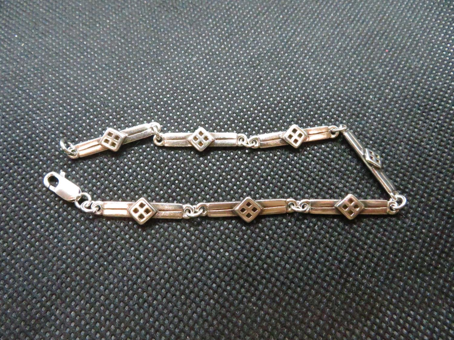 Lot 29 - Silver bracelet in style of Charles Rennie Mackintosh full HM 10grams