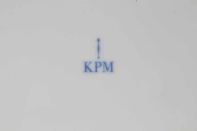 Lot 31 - KPM Berlin Kurland 12 Kuchenteller D 19,5 cm,Königliche Porzellanmanufaktur Berlin, blaue