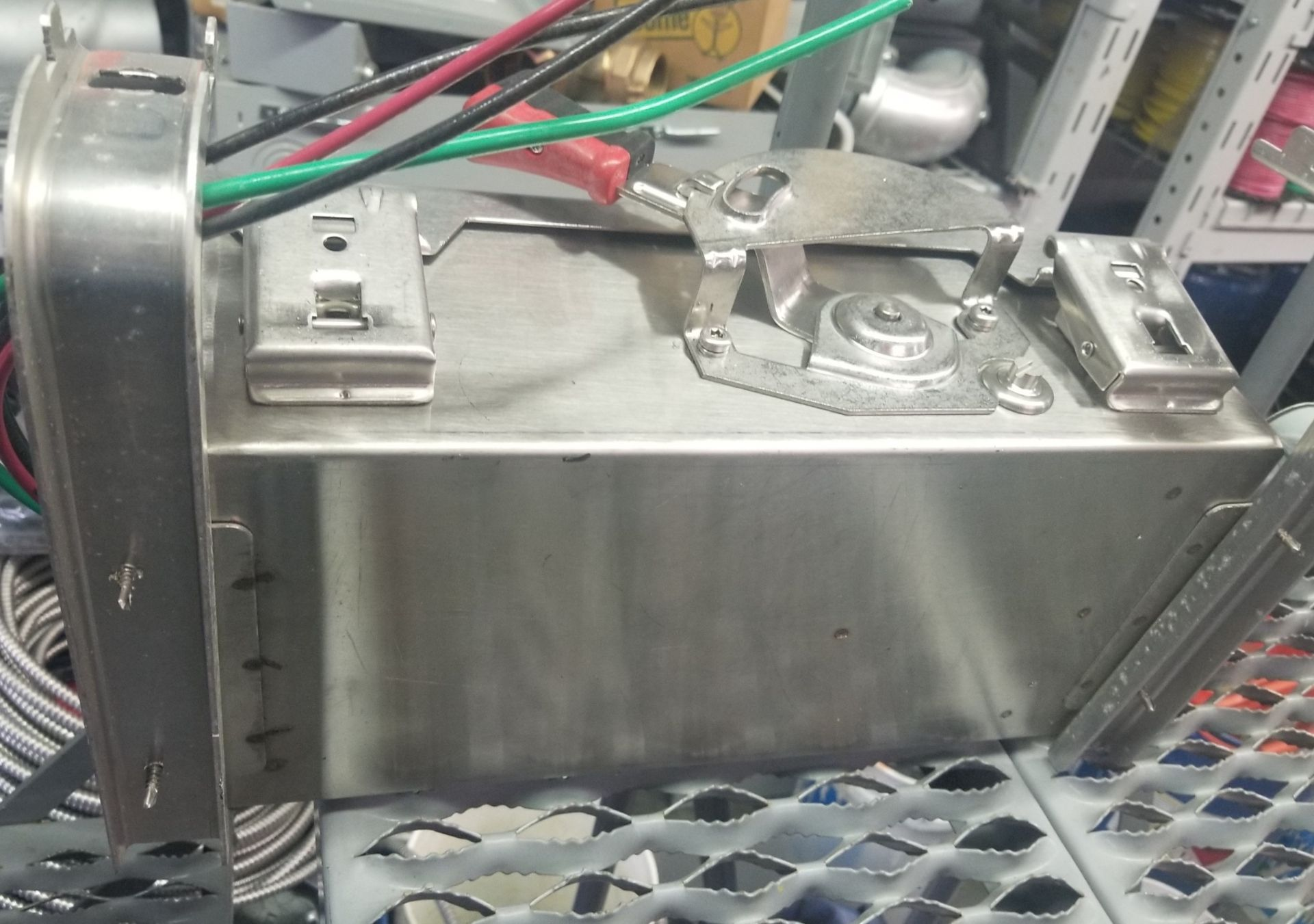 """Lot 231 - Square D AL-40 Enclosed Switch Unit, Heavy Duty Safety Switch, Approximate Dimensions: 17x11x7"""""""