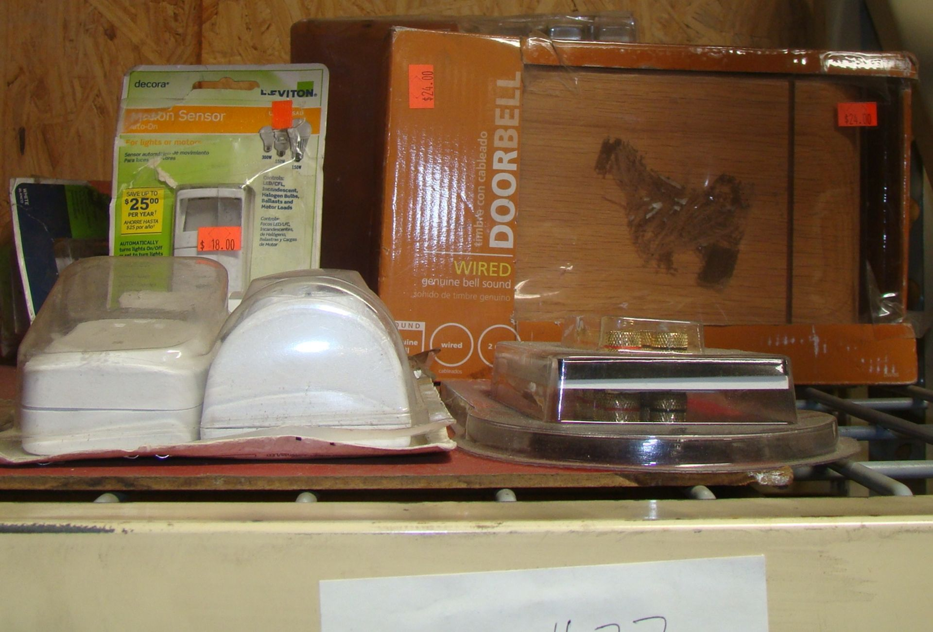 Lot 27 - Lot of Wired doorbell; Contractor wired doorbell;motion sensors; 4 Speaker Wall Plate
