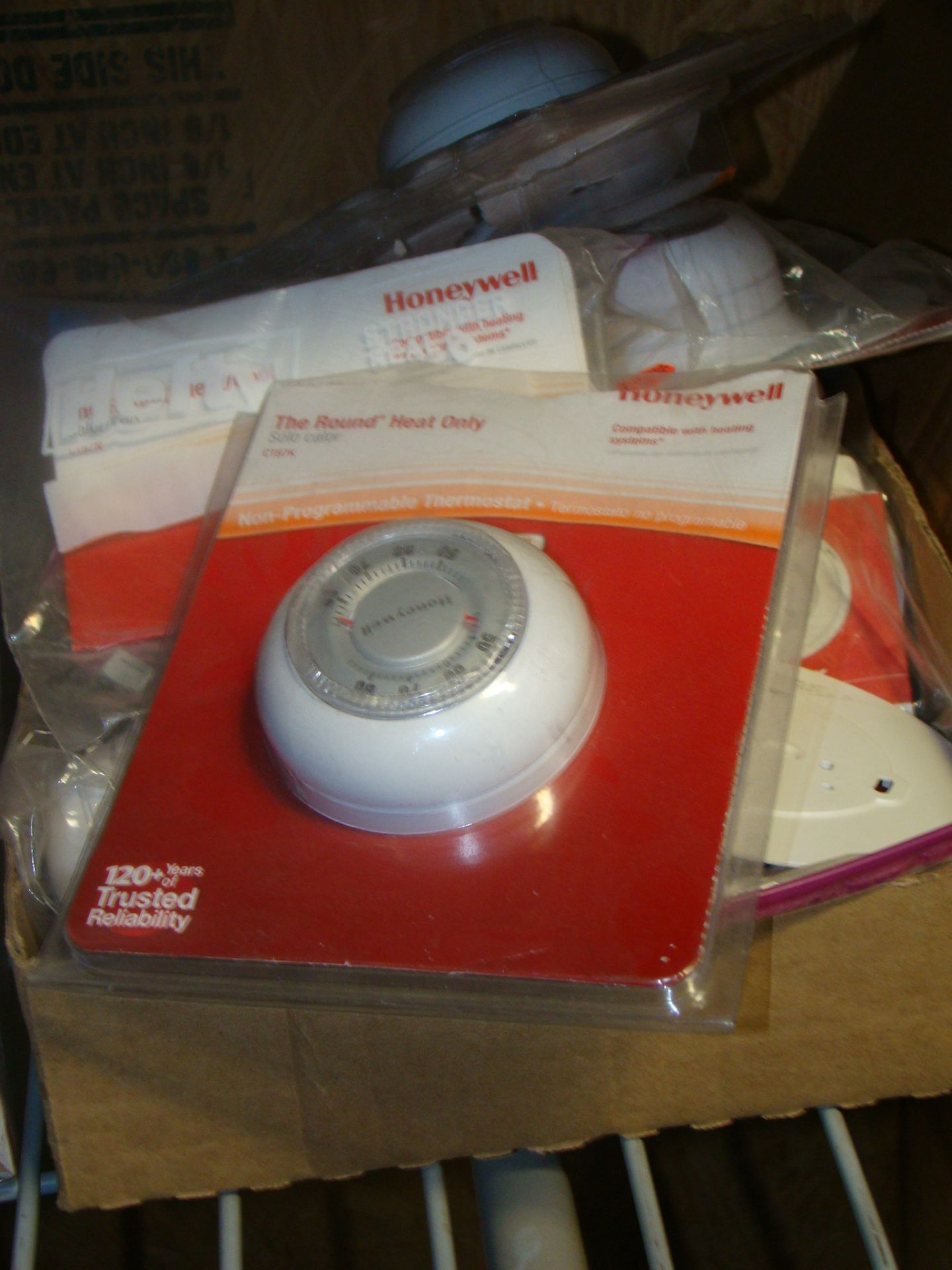 Lot 55 - Lot of Honeywell Round Heat only thermostat