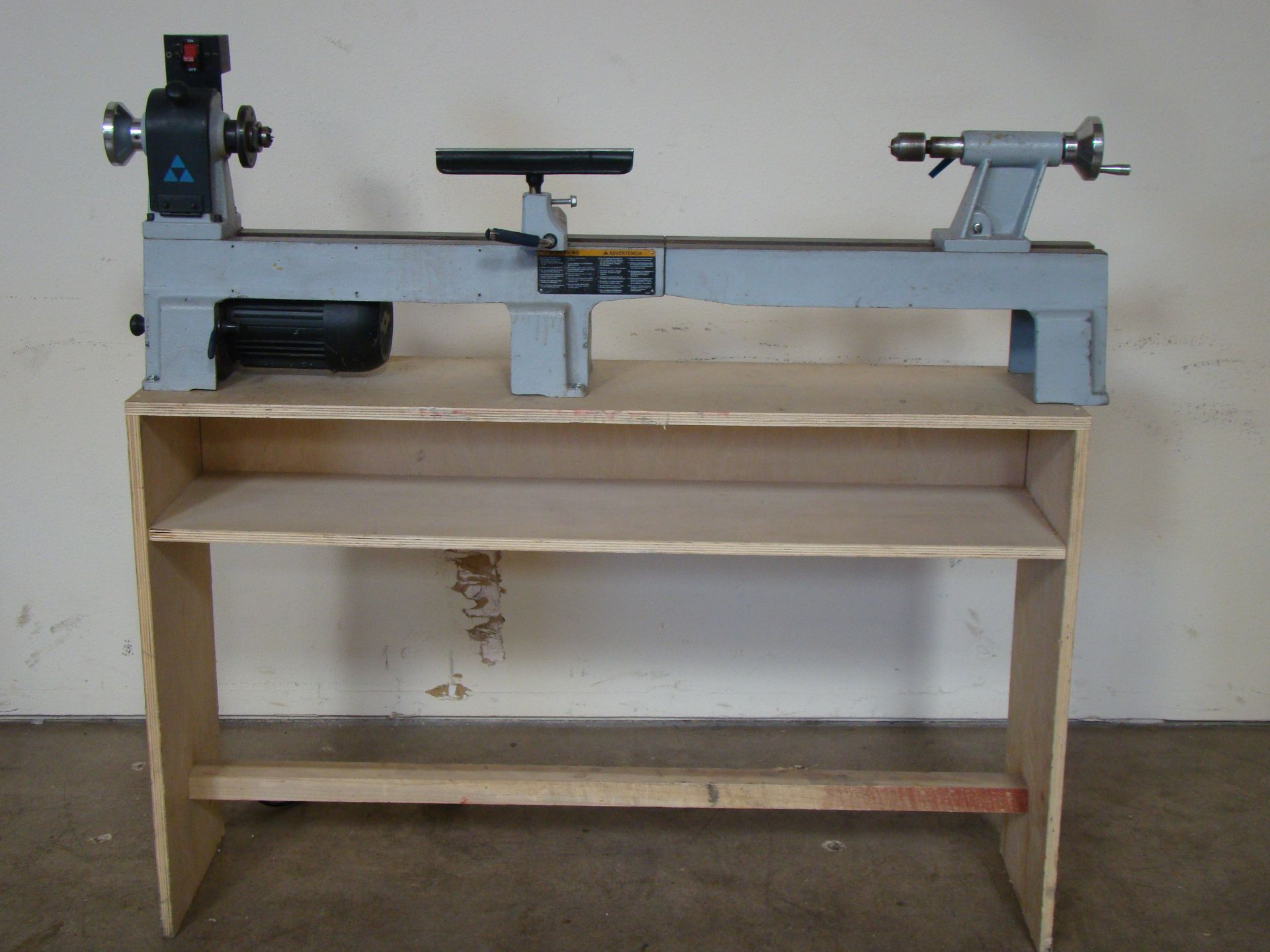 Lot 13 - Delta Wood Lathe Model LA200 1/2 HP 120V 1PH