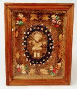 Heiligenfigur, Jesuskind,Wachsposierung, alte Klosterarbeit, in Holzkasten, umseitig verglast;