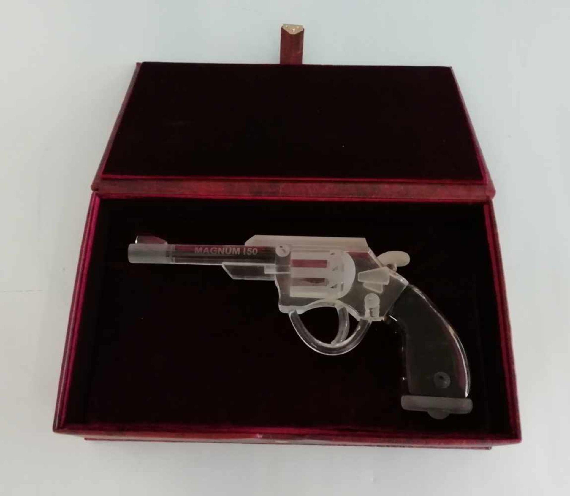 Los 50 - Glasobjekt, Colt Magnum 50farbloses Glas, braunes Fadenglas, Länge ca.27cm, Sonderanfertigung, in