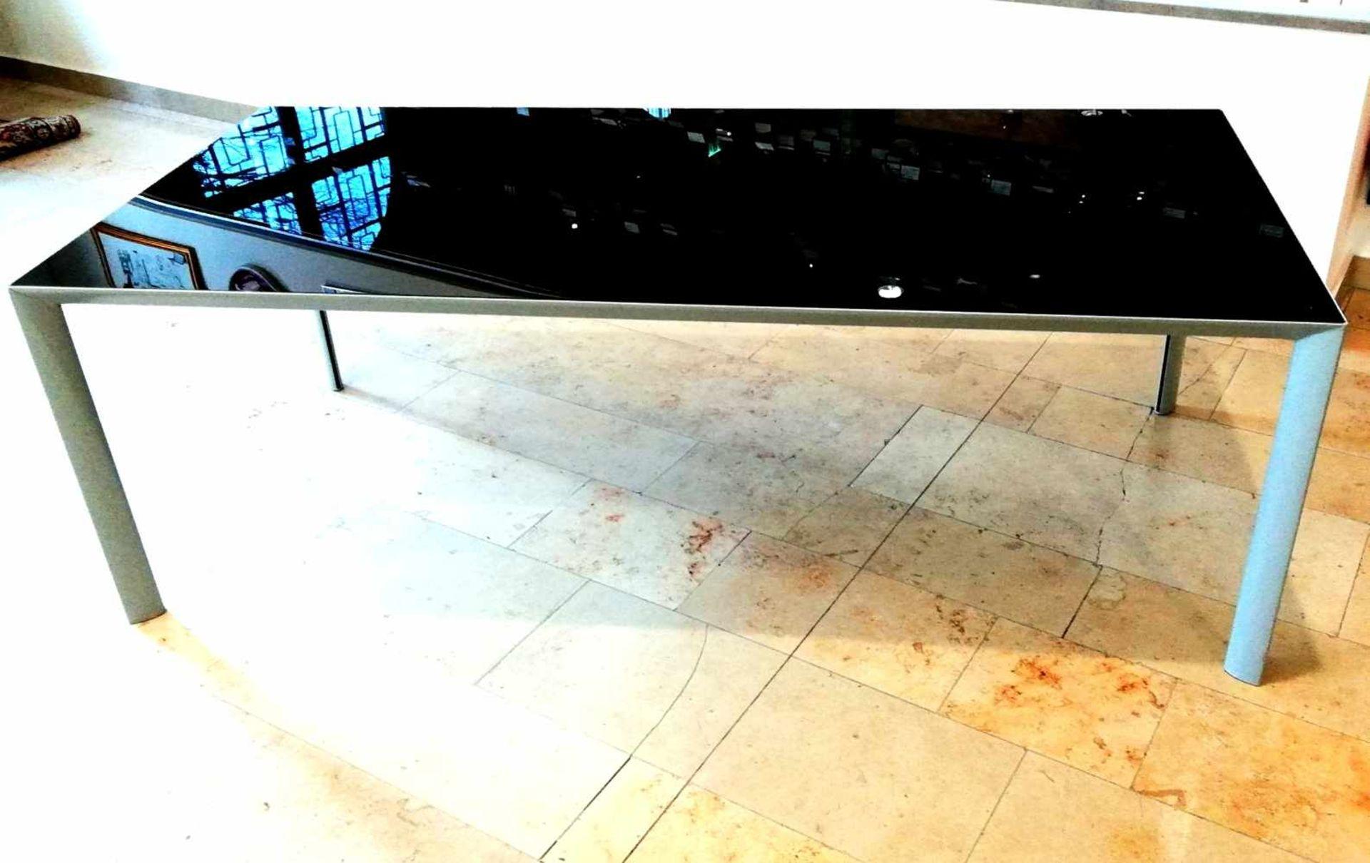 Los 31 - Moderner Design-Glastisch, Marke PORROgraues Stahlgestell 220x100x75 cm, neuwertig;