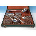 Essbesteck, Marke Cristoffle,Metall, versilbert , betsehend aus: 12 Löffel, 12 Gabeln, 12