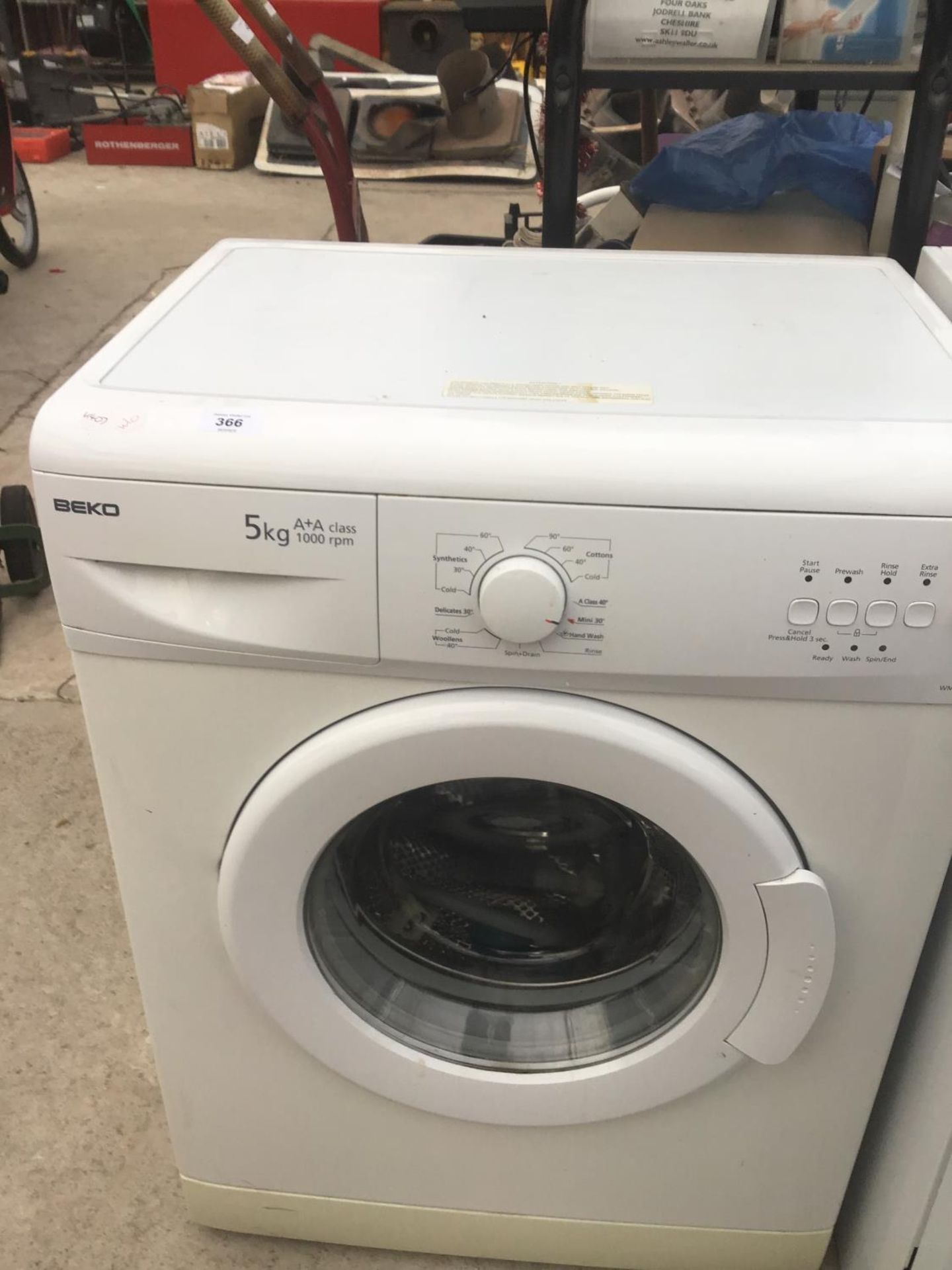 Lot 366 - A BEKO WASHING MACHINE IN CLEAN CONDITION