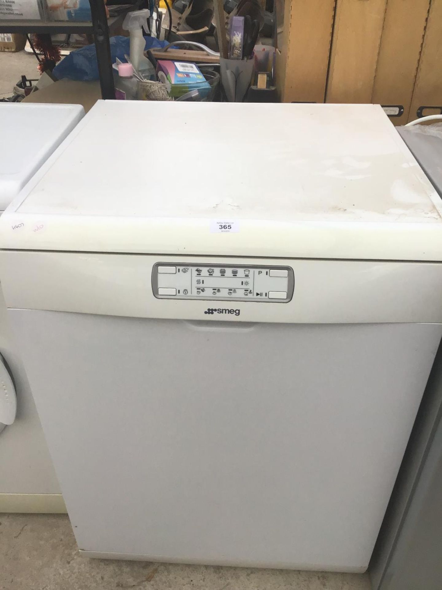 Lot 365 - A SMEG DISHWASHER IN CLEAN AND WORKING ORDER