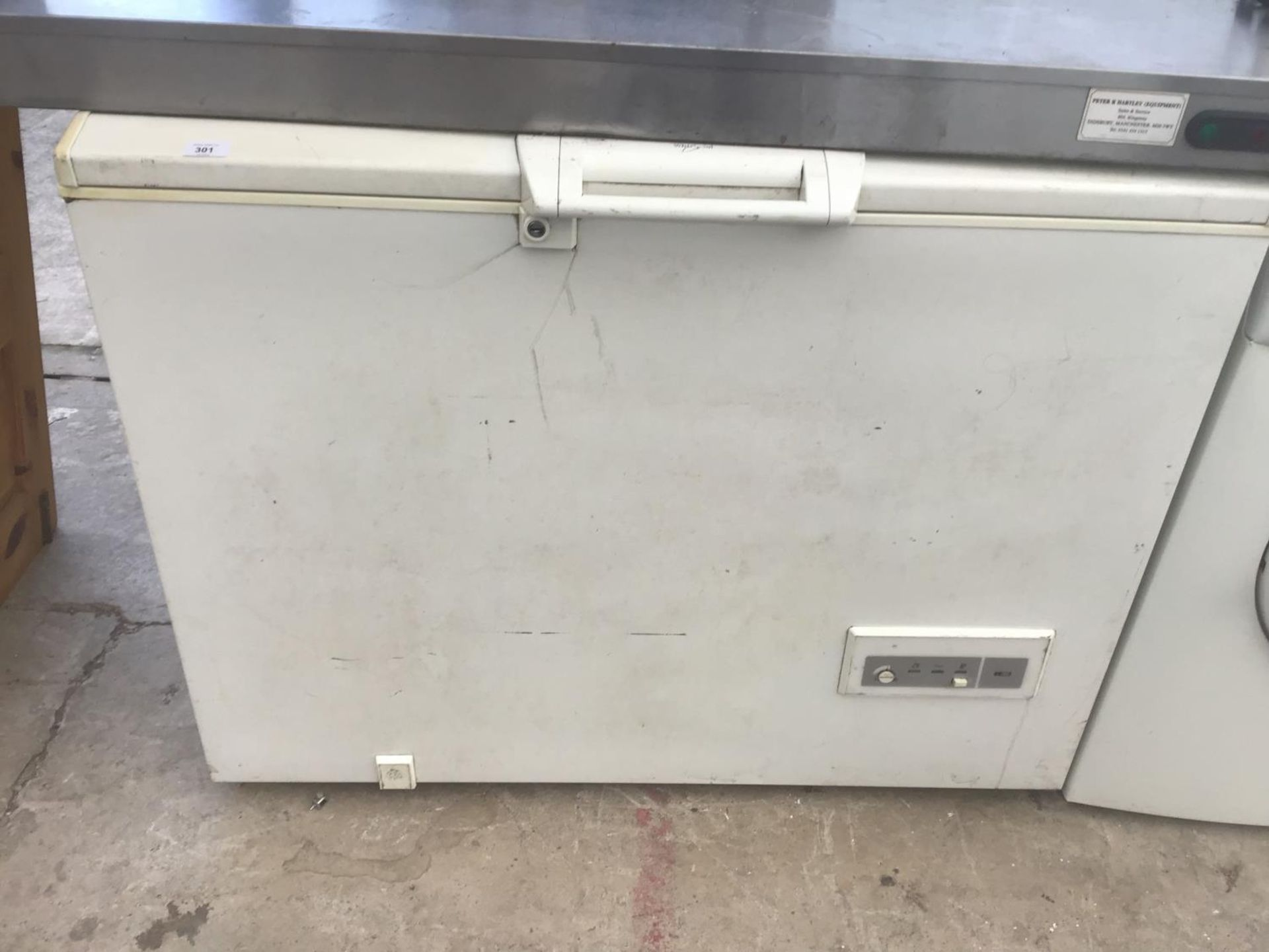 Lot 301 - A WHIRLPOOL CHEST FREEZER IN WORKING ORDER