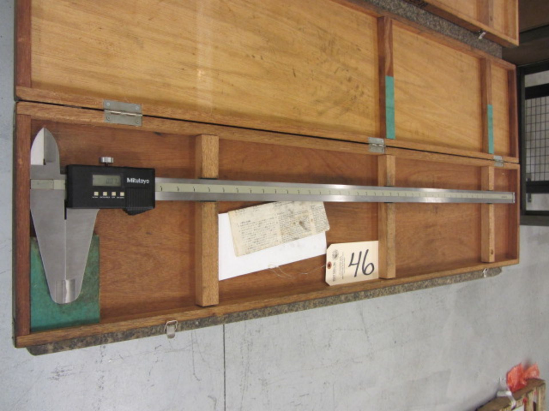Lot 46 - Mitutoyo 40'' Digital Caliper