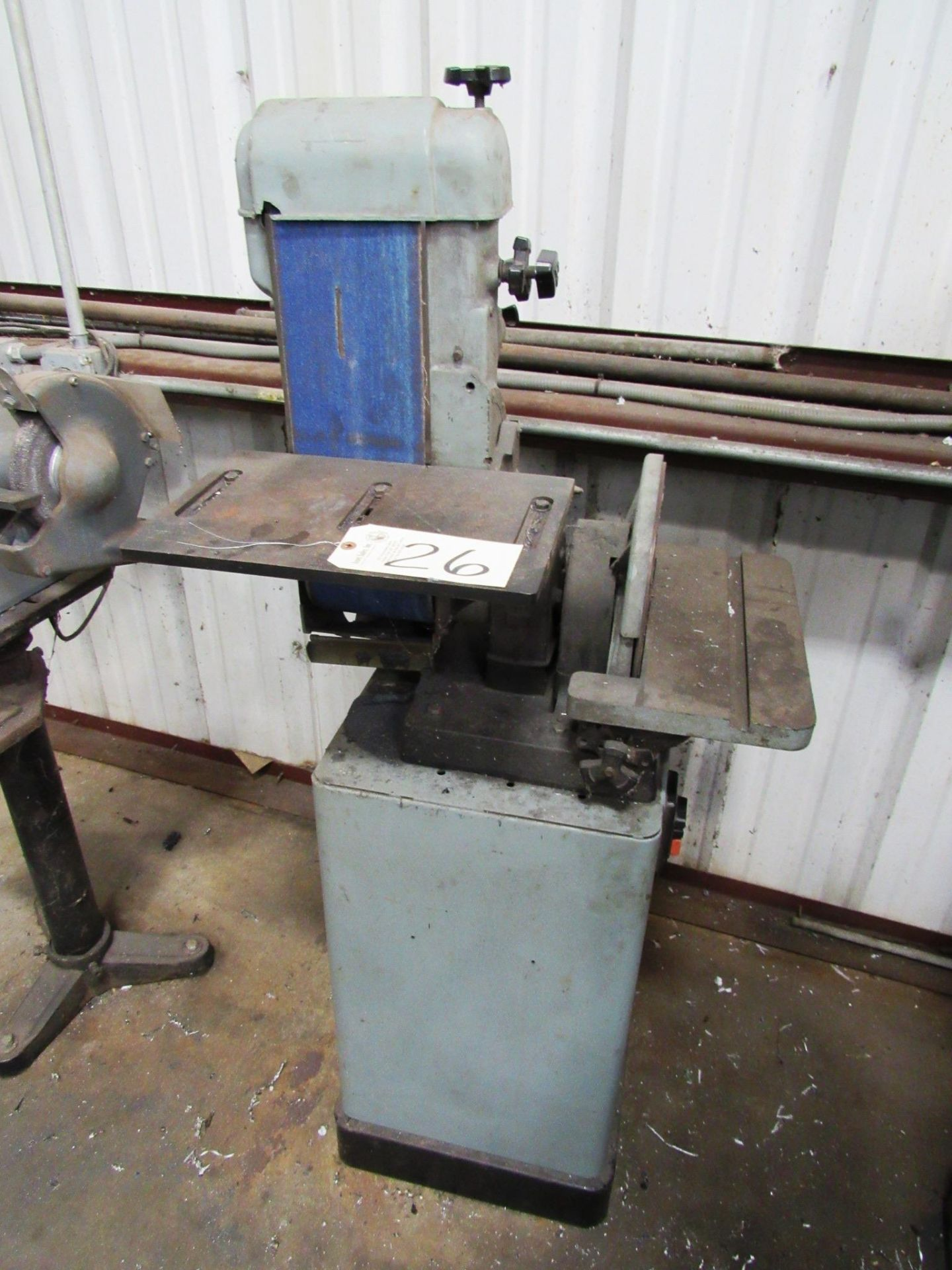 Lot 26 - Delta 6''/12'' Belt/Disc Sander