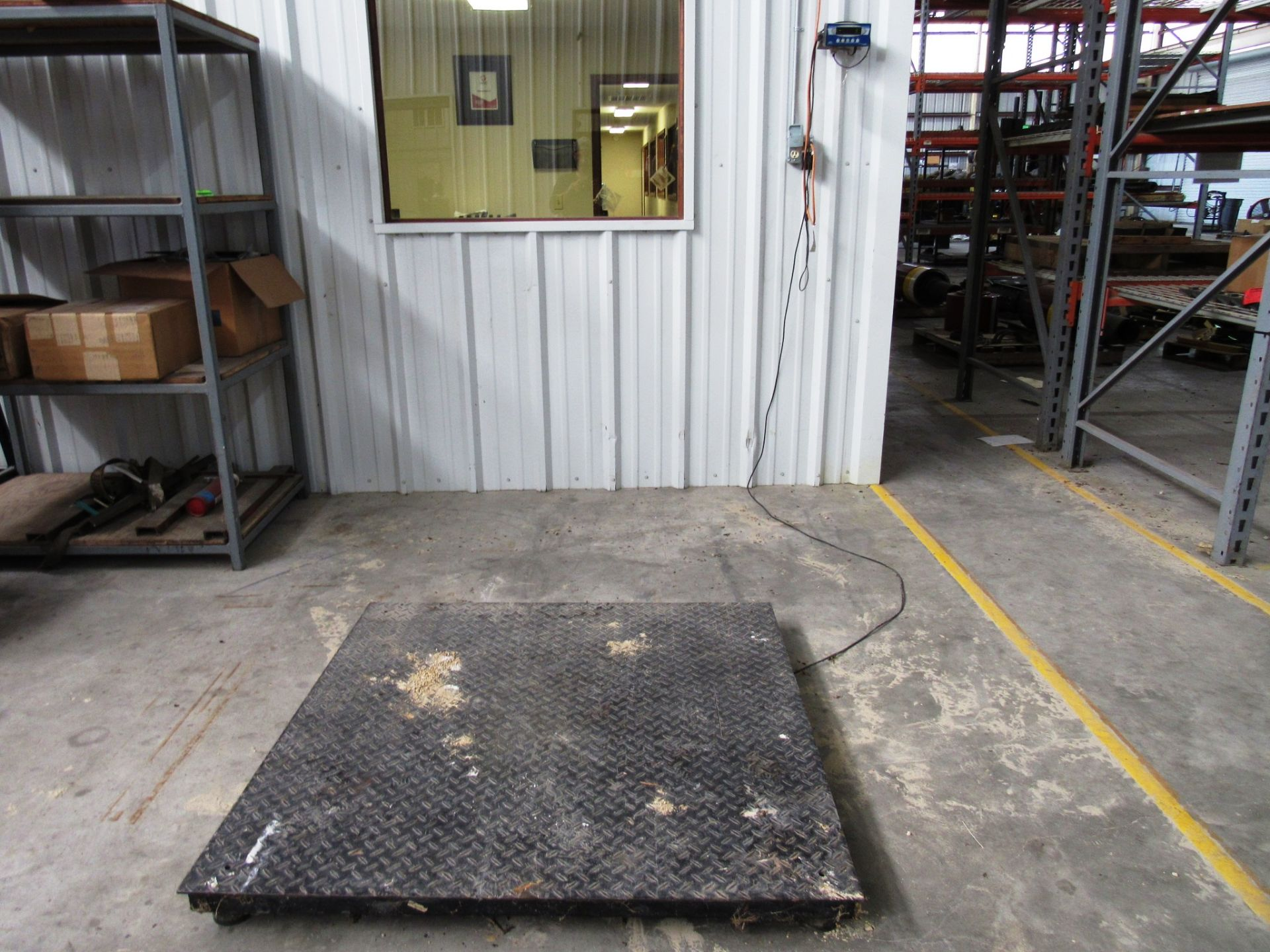 Lot 15 - 5,000lb Capacity Platform Scale with Trancell TI-500E Readout