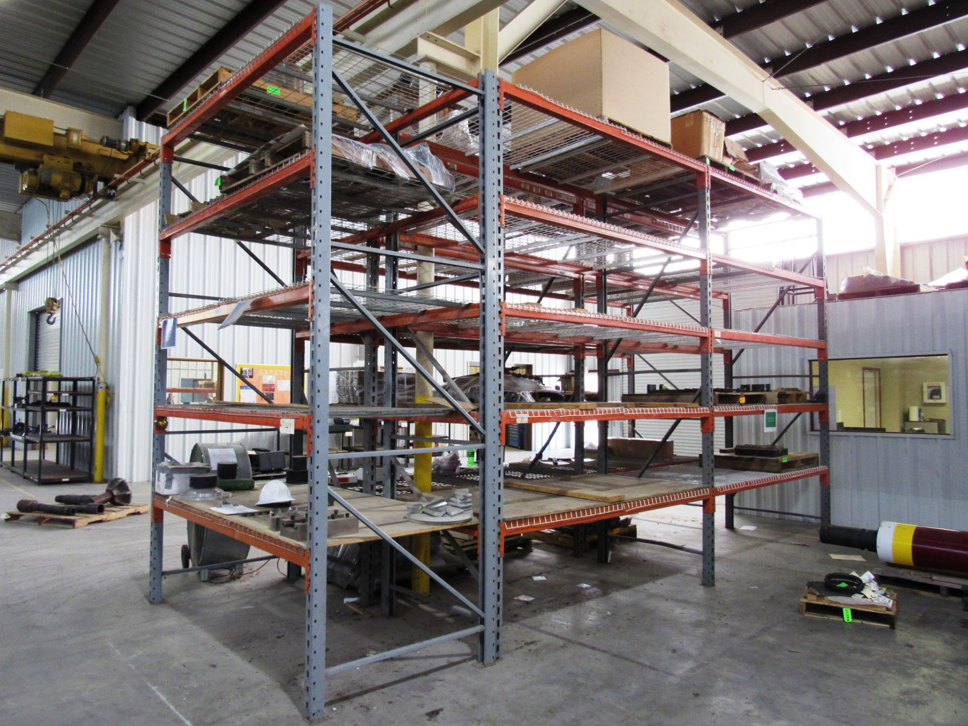 Lot 41 - 5 Sections Pallet Racking (no contents)