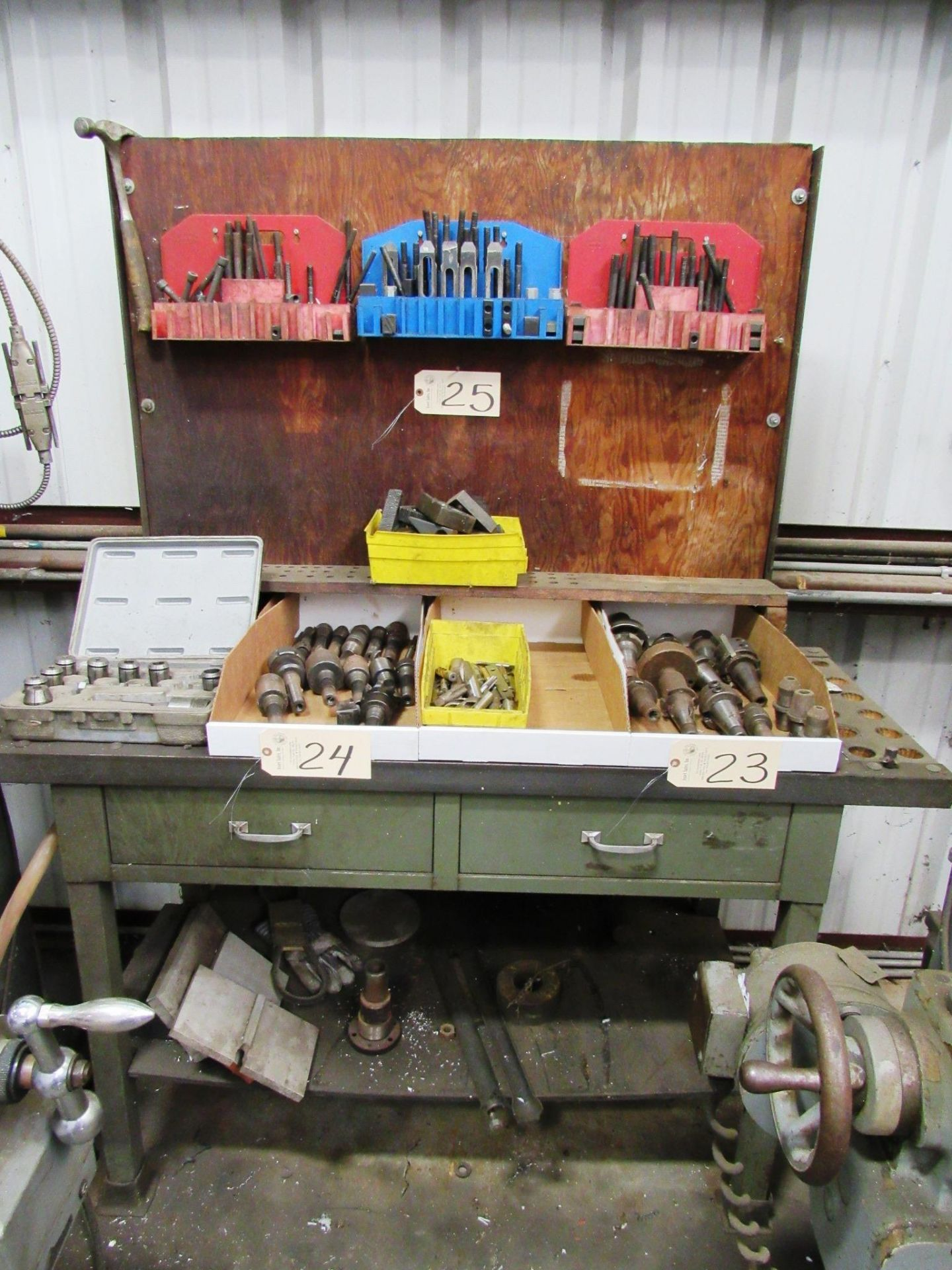 Lot 25 - Workbench & Set-Up Tooling
