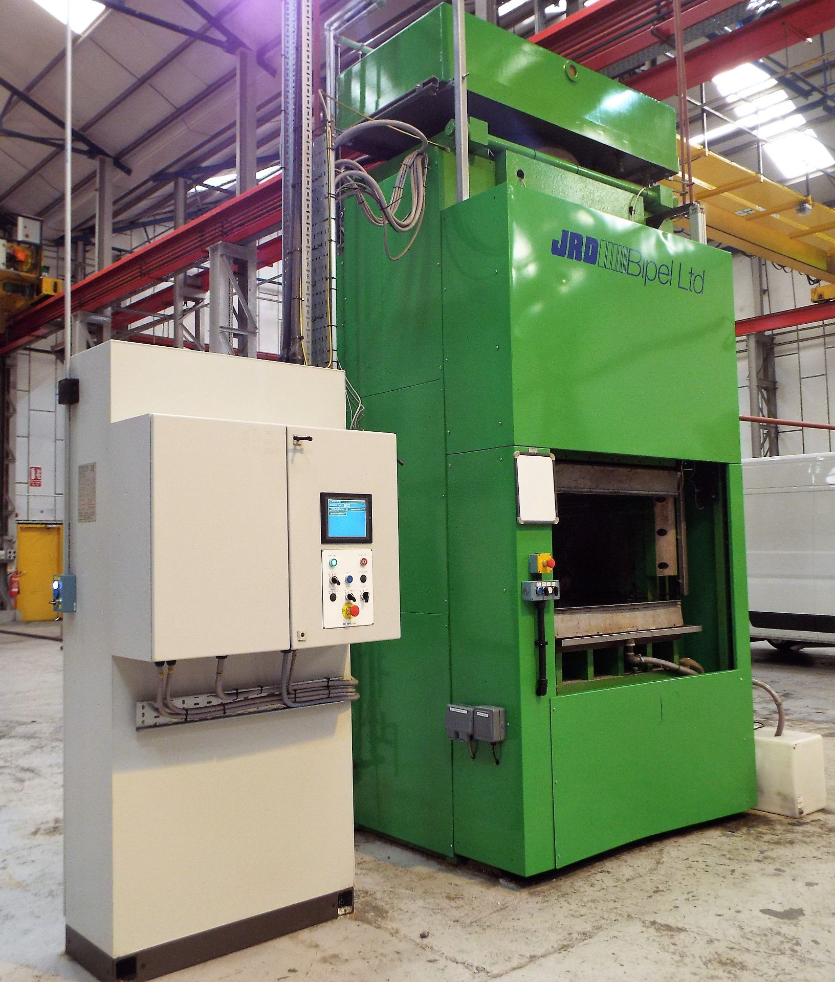 Lot 2 - JRD Bipel 450 Tonne Hydraulic Hot Compression Press.