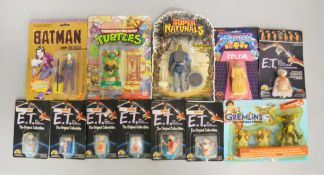 Quantity of vintage action figures Ljn Gremlins 3 pack, x6 Ljn/matchbox E.T figures, Ljn wind up E.