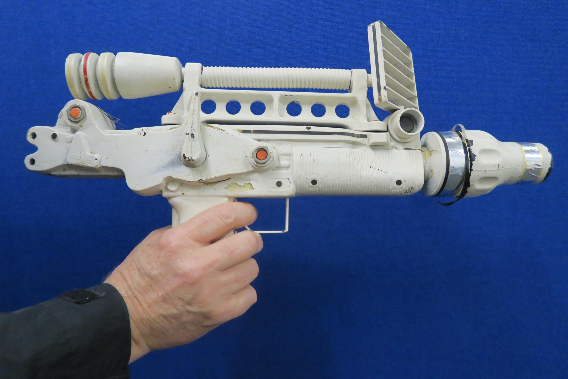 JAMES BOND 007 : Moonraker laser rifle created especially for this futuristic James Bond 1979 film. - Image 6 of 7