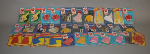 EX-SHOP STOCK: Thirty three Pedigree Sindy doll Clothing Accessory Sets including Casuals,
