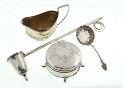A small quantity of silver to include a trinket box H/M Birmingham 1917,