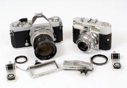 Vitomatic IIa with Color Skopar 50mm f2.8 lens. Meter working.