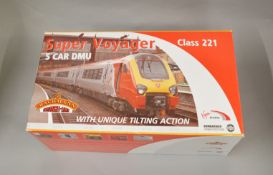 OO Gauge. A boxed Bachmann 32-625 Class 221 Virgin Super Voyager (tilting) 5 car unit, appears VG in