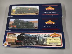 OO Gauge. 3 boxed Bachmann Locomotives, 32-251 WD 2-8-0 Austerity 90275 BR black Early Emblem, 31-