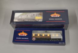 OO Gauge. A boxed Bachmann 32-900 Class 108 2 car DMU set BR Green with Speed Whiskers, retains