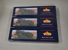 OO Gauge. 3 boxed Bachmann WD 2-8-0 Austerity Locomotives, 32-250, 32-253 WR '90312' BR black and