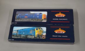 OO Gauge. 2 boxed Bachmann Locomotives, 32-530 Class 55 Deltic D9006 BR Two-tone green (DCC)