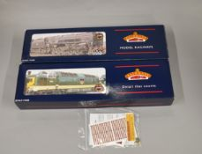 OO Gauge. 2 boxed Bachmann Locomotives, 32-525Y Class 55 Deltic D9021 'Argyll & Sutherland' BR green