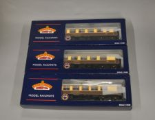 OO Gauge. 3 boxed Bachmann Pullman Coaches with lighting, 39-280, 39-290 and 39-310, all appear VG