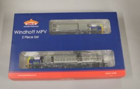 OO Gauge. A boxed Bachmann 31-575 Windhoff MPV Network Rail (DCC), appears VG boxed.