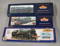 OO Gauge. 3 boxed Bachmann Locomotives, 32-302 2251 Collett Goods 2227  BR lined green L/Crest, 31-