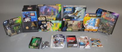 15 Star Wars items which includes; figure sets, mug etc (15)