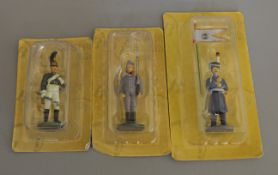 A very good quantity of magazine issue Eaglemoss carded soldier figures which are mostly Russian and