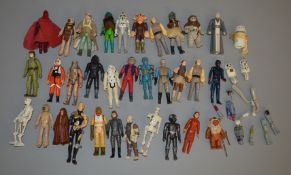 32 loose Star Wars and other Sci-Fi figures (32).