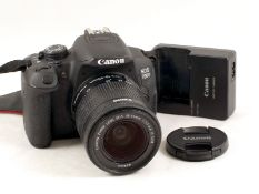 Canon 700D 18mp Digital SLR with EF-S 18-55mm f3.5-56 IS (Image Stabilised) Lens. With battery and