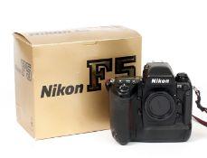 Nikon F5 Film Camera Body, in Makers Box. (untested, condition 4) (Cabinet D)