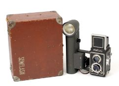 Rare French Semflash Outfit in Original Fitted Case. Camera has permanently attached, mains