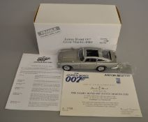 James Bond 007 Aston Martin DB5 1:24 scale diecast model by Danbury Mint, comes boxed with