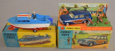 2 boxed Corgi Toys 440 Ford Consul Cortina Super Estate Car G+/VG in G+ outer box and plinth with