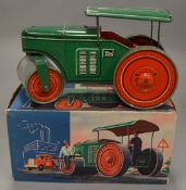 A tinplate Tipp & Co #610 Road Roller model with clockwork mechanism and fixed key. Mechanism