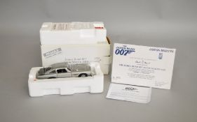 James Bond 007 diecast 1:24 scale Aston Martin DB5 in silver, this model was exclusively for Danbury